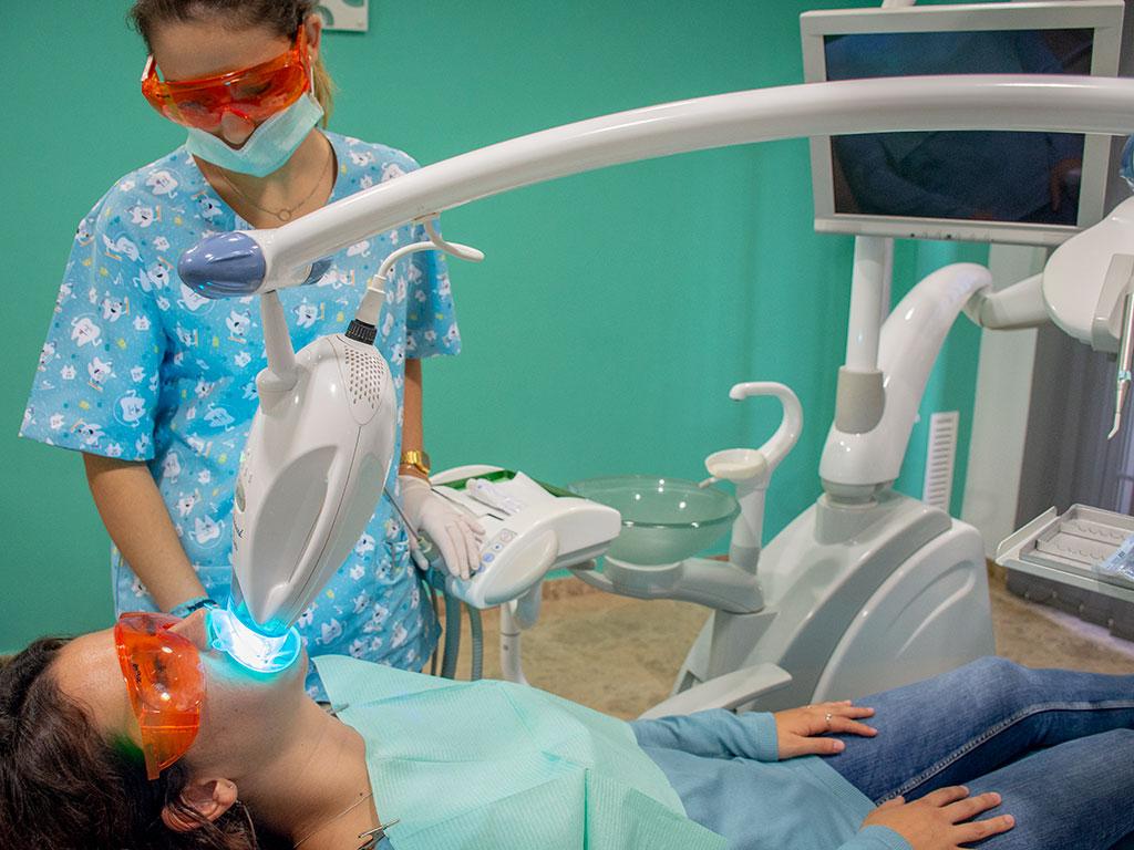 Sistema de blanqueamiento dental profesional Zoom