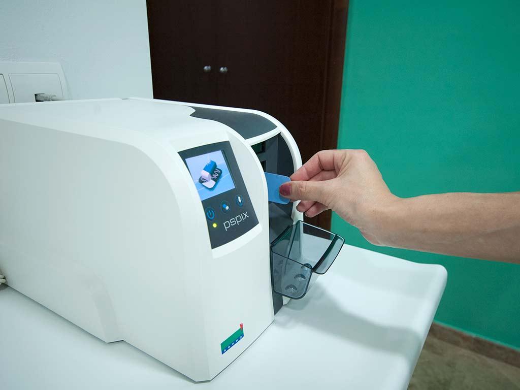 Equipo de radiografía digital con tarjeta de memoria