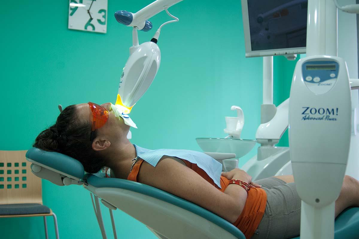 Blanqueamiento dental con sistema Zoom